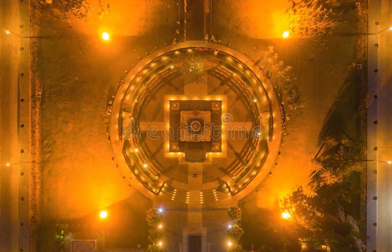 泰国巴吞他尼市佛寺潘雅南塔兰寺夜景 泰国建筑 库存图片