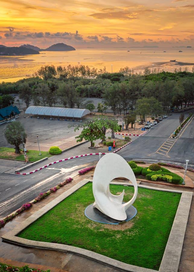 泰国普吉日出时Saphanhin公园的空中景观 库存图片