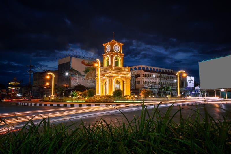 泰国普吉镇日落的钟楼或苏林圆 库存照片