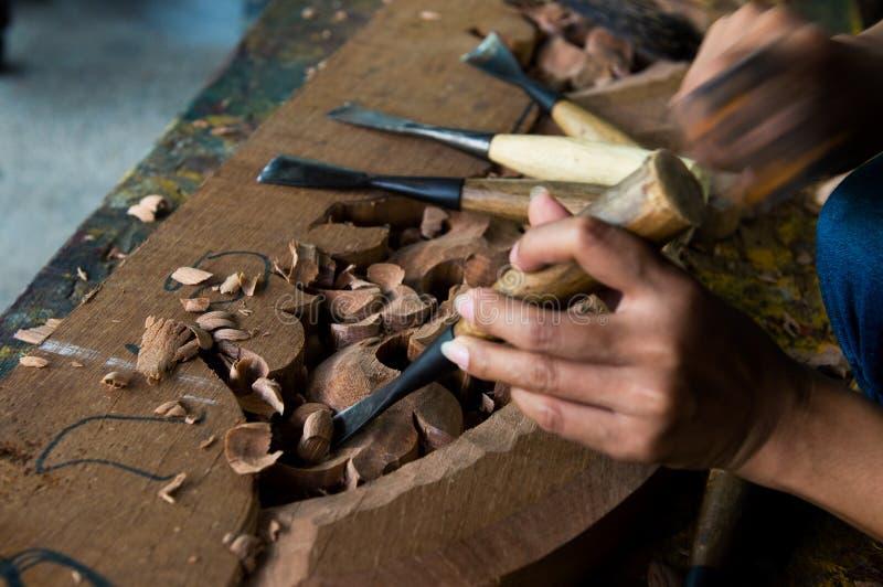 Download 泰国木头雕刻 库存图片. 图片 包括有 过时, 木匠, 木匠业, 雕塑, 拱道, 过去, beauvoir - 30337891