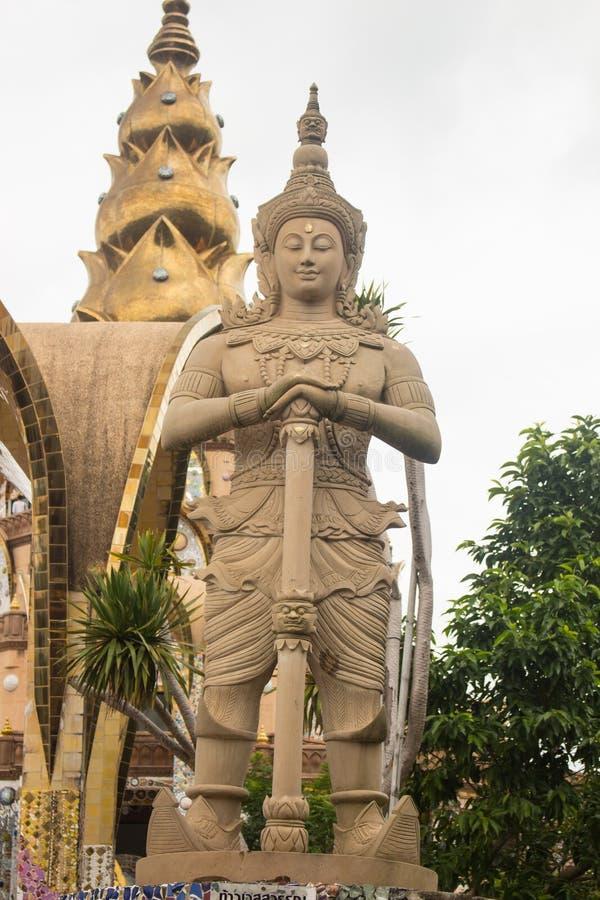 泰国样式监护人在Wat的Pha Sorn Kaew,泰国庭院里 库存图片