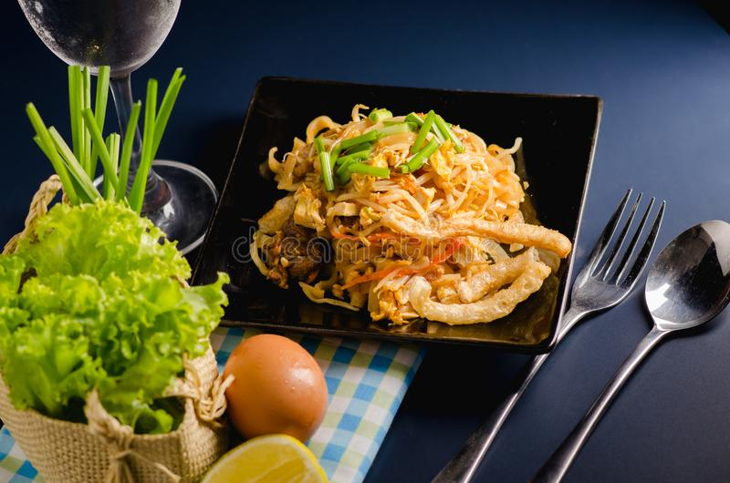 泰国混乱油煎的米线& x28; 垫Thai& x29; 免版税库存图片