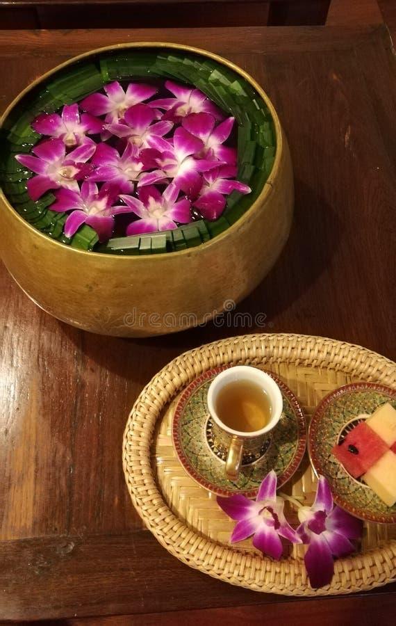 泰国温泉喜欢的饮料和装饰 免版税库存图片