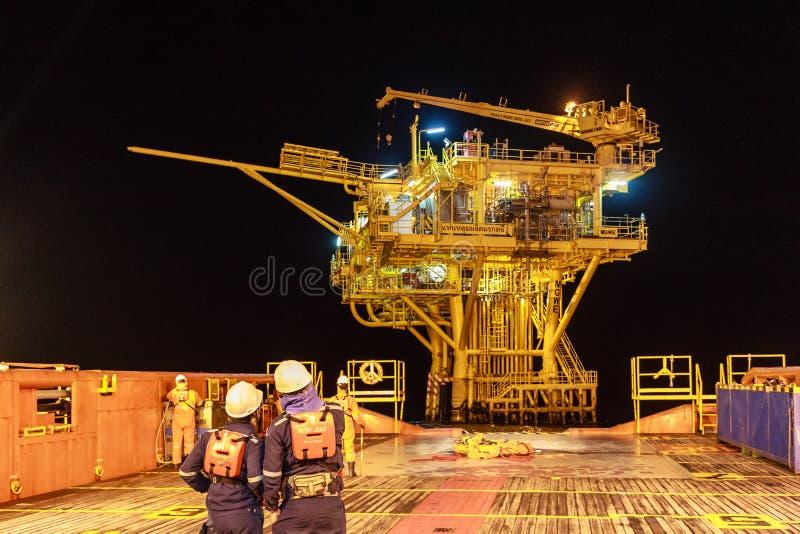 泰国湾, 9月29,2017 :近海油和煤气工作者 免版税库存照片