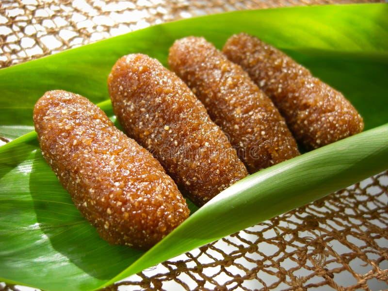 泰国点心告诉了kao tu或烘干了米饭团 免版税库存图片