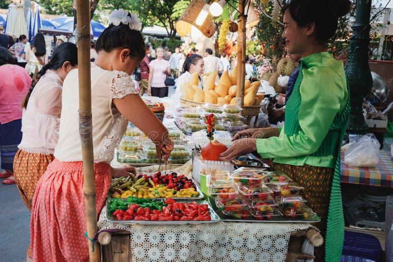 泰国点心购物在市场,曼谷,泰国 免版税库存图片