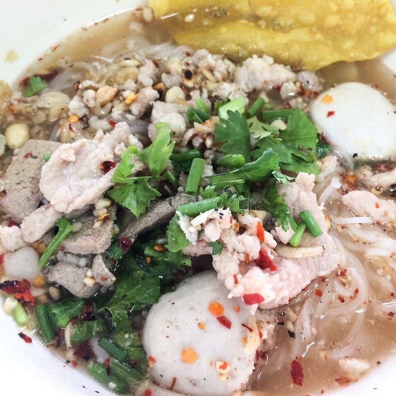 泰国猪肉面条盘 免版税库存图片