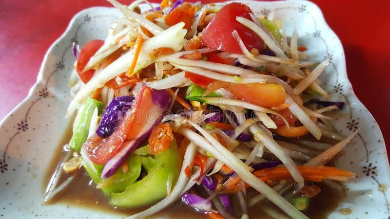 泰国番木瓜沙拉或somtum泰国与甜口味 库存照片
