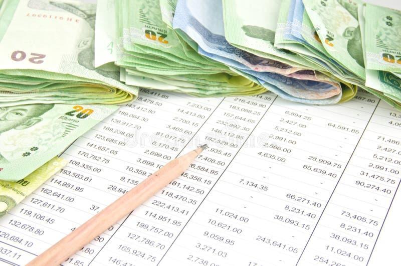 泰国的堆票据有铅笔的 免版税库存照片