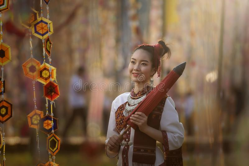 泰国的泰国礼服身分文化 皇族释放例证