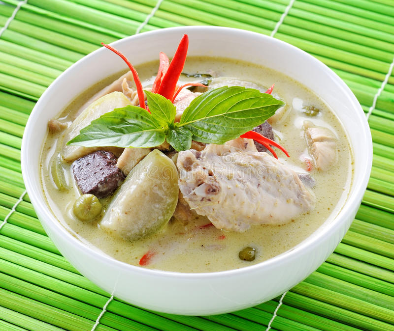 Download 泰国的烹调 库存图片. 图片 包括有 可口, 胡椒, 柠檬, 午餐, 叶子, 烹调, 波儿地克的, 用餐 - 59107659
