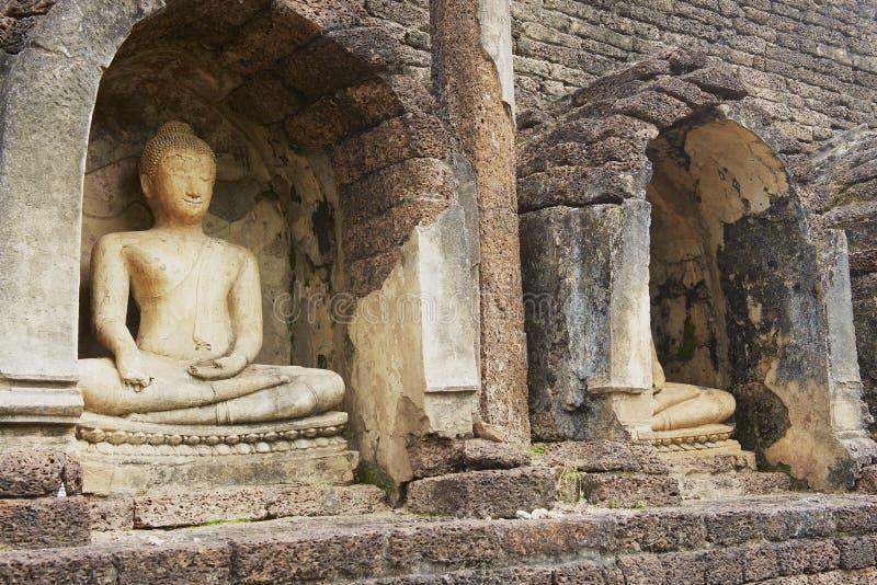 泰国素可泰历史公园西萨查纳莱寺遗址佛像 图库摄影