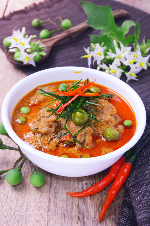 泰国红色咖喱用猪肉和椰奶& x28; panaeng& x29; 库存照片