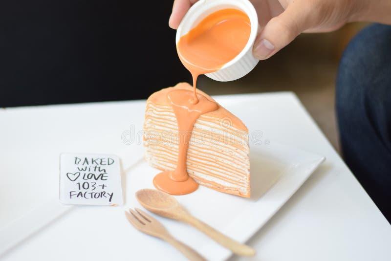 泰国茶绉纱蛋糕 图库摄影