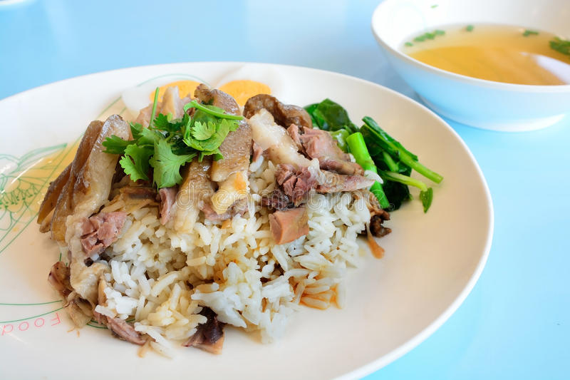 泰国被炖的猪肉腿用米(Kao Kha Moo) 库存照片