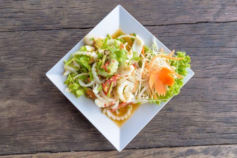 泰国辣海鲜沙拉食谱 免版税库存照片