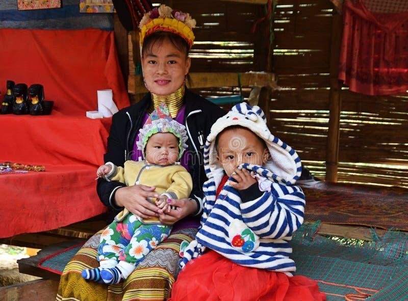泰国长颈卡扬女长颈鹿女 免版税库存照片