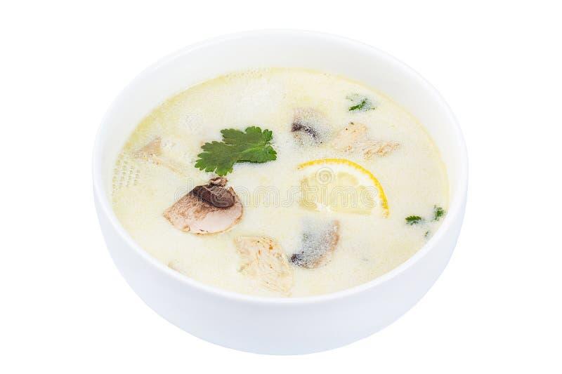 泰国食物汤姆锣 在白色背景隔绝的一个白色碗的汤 免版税库存图片