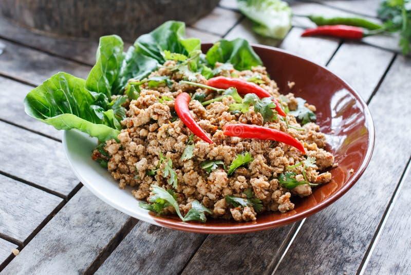 泰国食物猪肉末沙拉或辣剁碎的猪肉沙拉 图库摄影