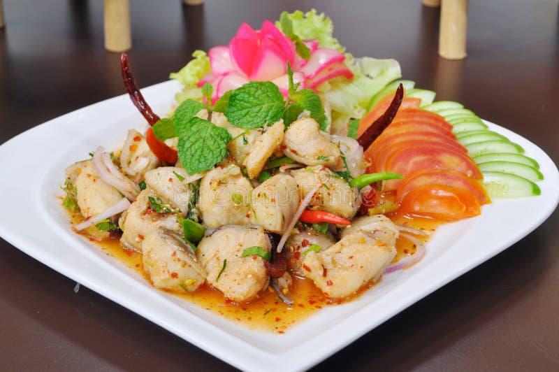 泰国食物,与菜的煮沸的鱼辣沙拉 库存图片