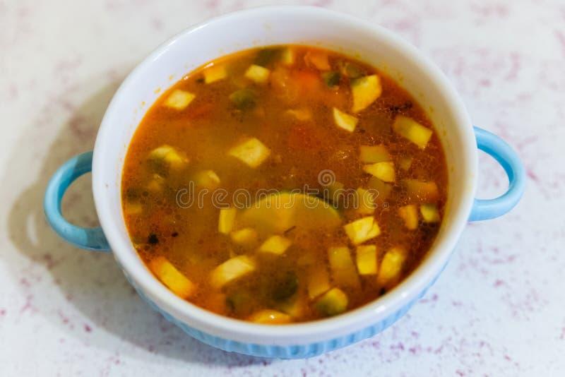 泰国食物,汤姆薯类Kung,辣Shirmp汤 免版税库存图片