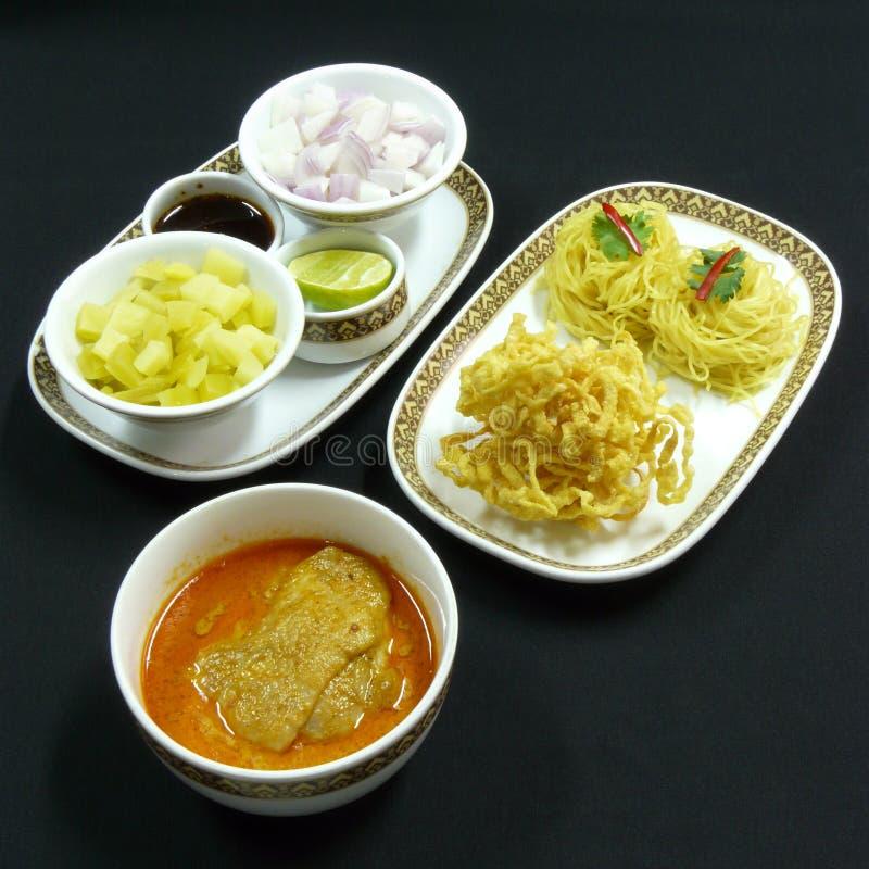 泰国食物, khao soi kai 免版税库存照片