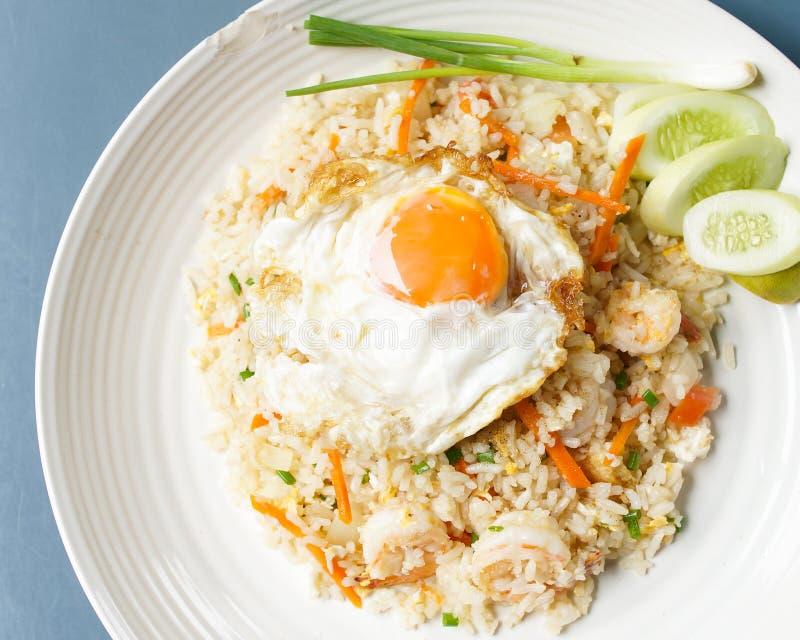 泰国食物:炒饭 免版税库存图片