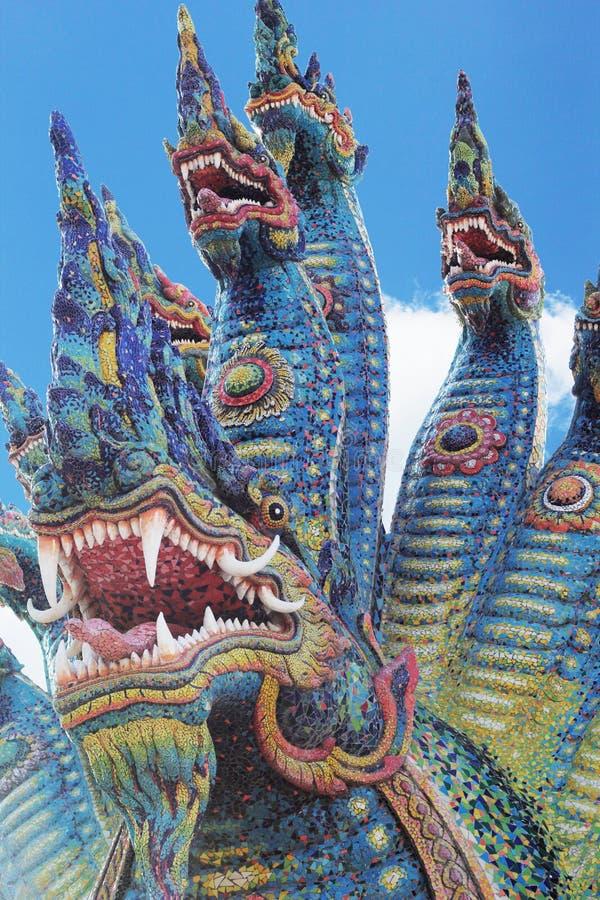 泰国龙,纳卡人雕象的国王在寺庙泰国的。 免版税库存照片