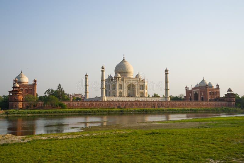 泰姬陵全景视图在子集,阿格拉,印度前的 免版税图库摄影