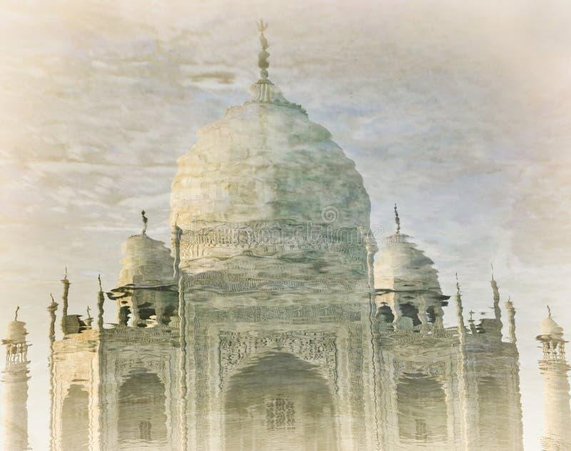 Download 泰姬陵反射在水中 库存图片. 图片 包括有 宗教信仰, 结构, 陵墓, 清真寺, 著名, beautifuler - 62530275
