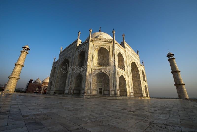泰姬陵广角视图,旅行向阿格拉,印度 免版税库存照片