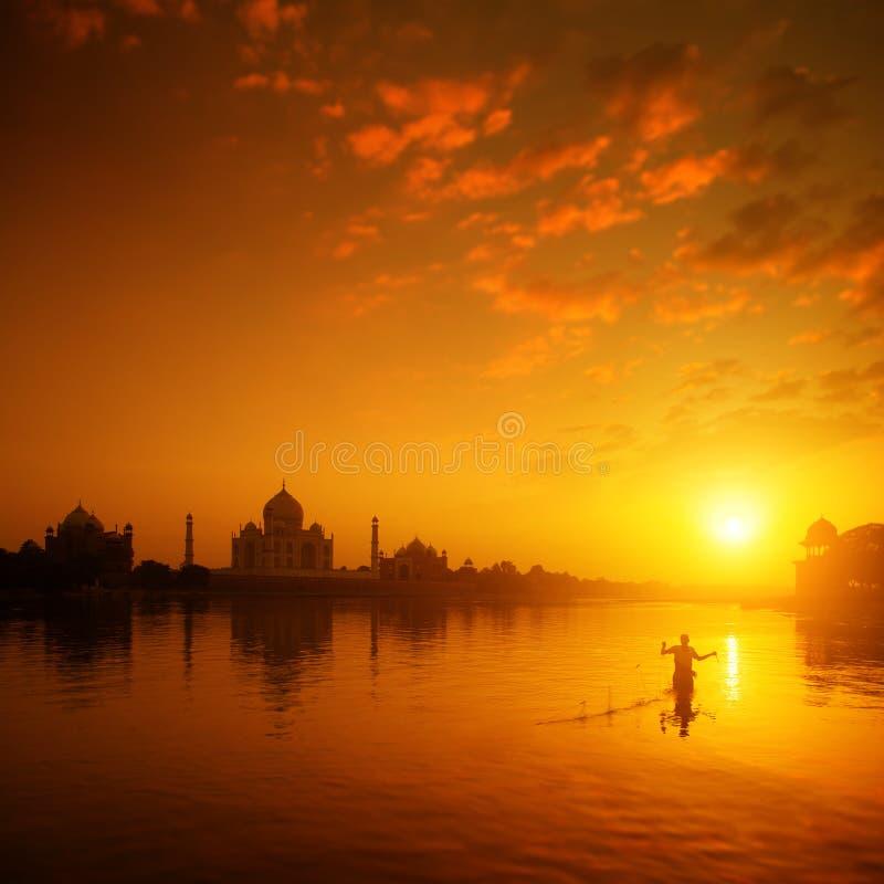 泰姬陵日落的阿格拉印度 免版税库存图片