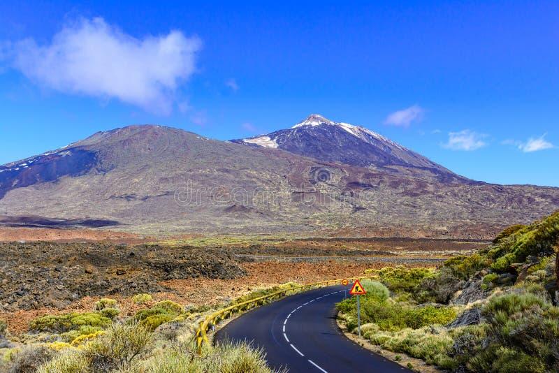泰德峰国家公园,特内里费岛,加那利群岛,西班牙-路主角 免版税库存照片