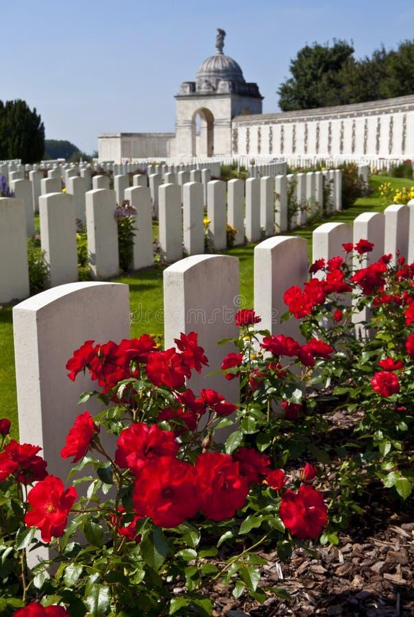 泰恩河Ypres的轻便小床墓地 免版税库存图片
