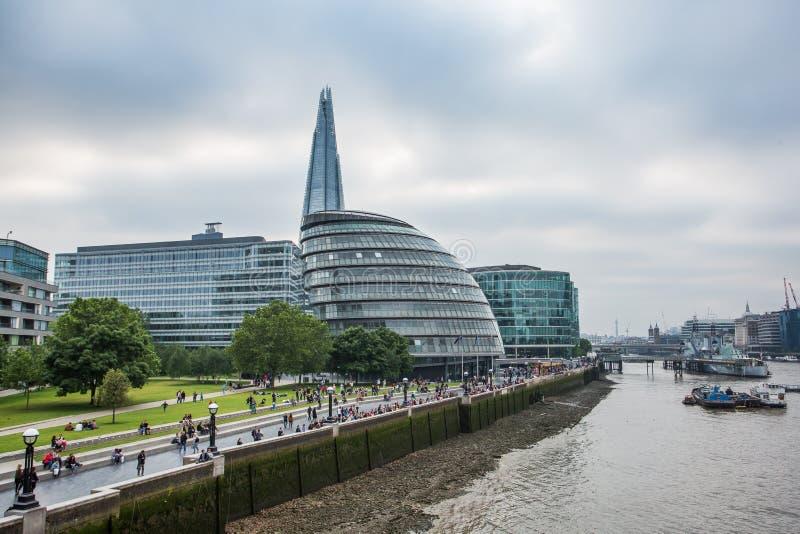 泰晤士和伦敦市 免版税库存照片
