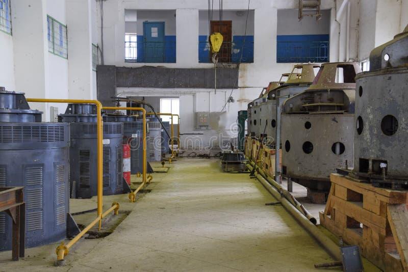 水泵引擎在水泵驻地的 抽的irrig 库存照片