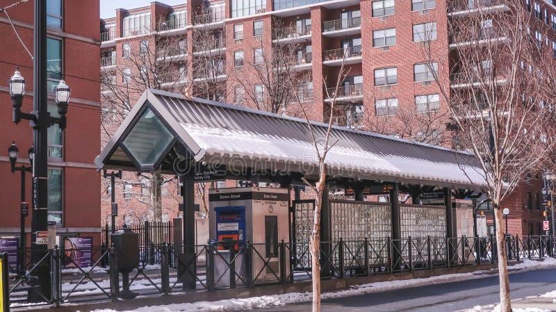 泽西城,新泽西,美国- 2018年3月22日:火车站在冬日 库存照片