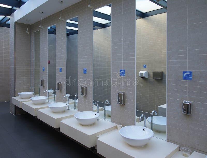 洗手间水槽 库存照片
