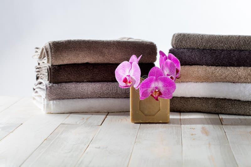 洗涤安全环境的洗衣店的纯橄榄油肥皂 库存图片