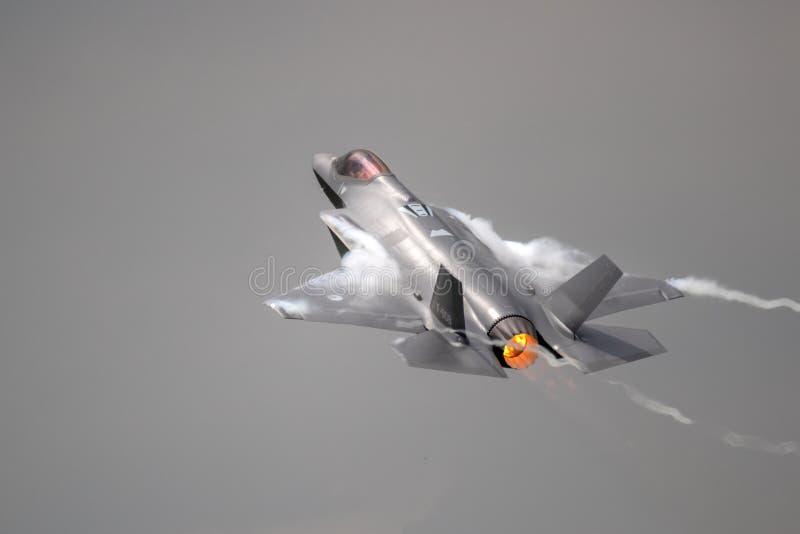 洛克西德・马丁F-35闪电II喷气式歼击机飞机 免版税库存图片