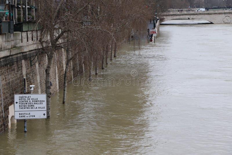 洪水在市巴黎 图库摄影
