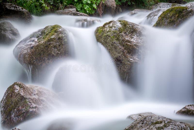 洪流在阿尔卑斯 库存照片