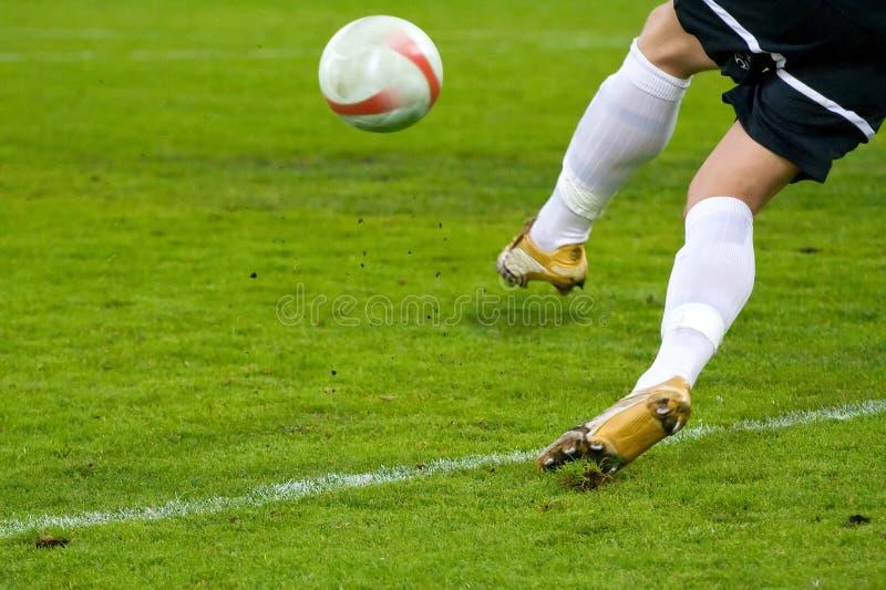 活动橄榄球射击足球 免版税图库摄影