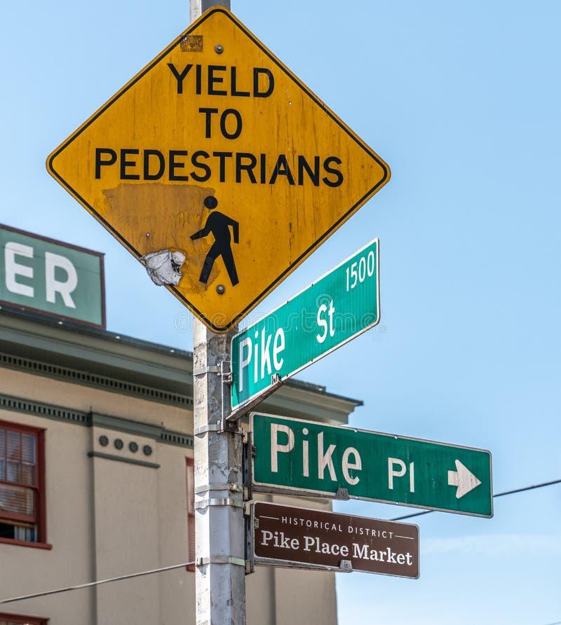 派克位置市场的路牌在西雅图,华盛顿,美利坚合众国 图库摄影
