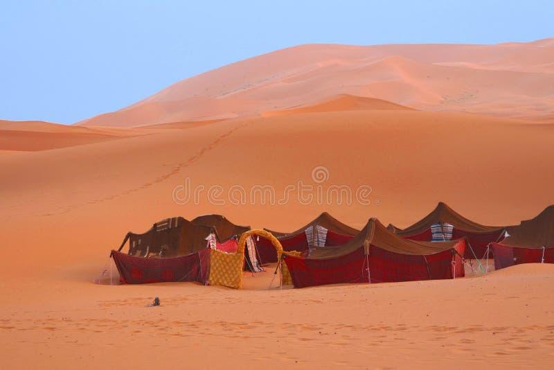 流浪的帐篷在撒哈拉大沙漠 免版税库存图片