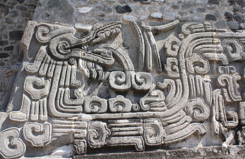 浅浮雕雕刻与Quetzalcoatl的, Xochicalco,墨西哥 库存图片
