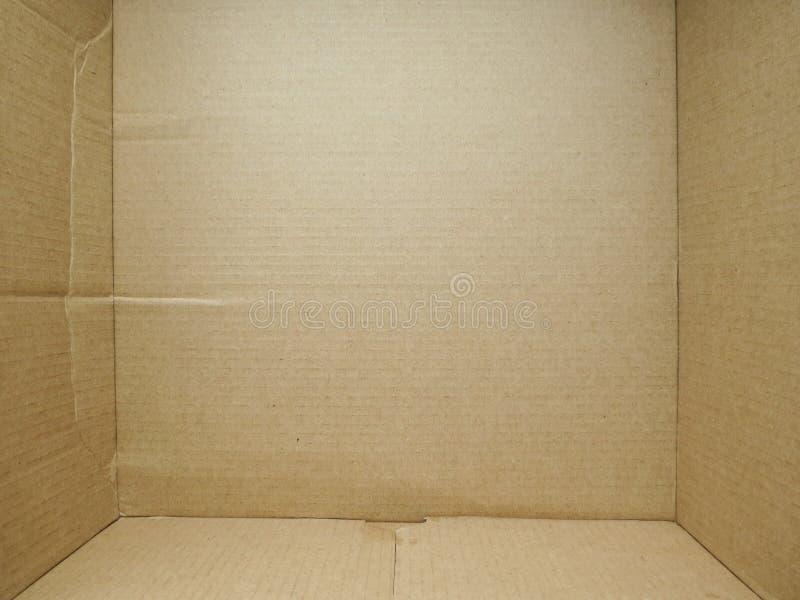 浅褐色的皱纸板箱子 免版税库存图片