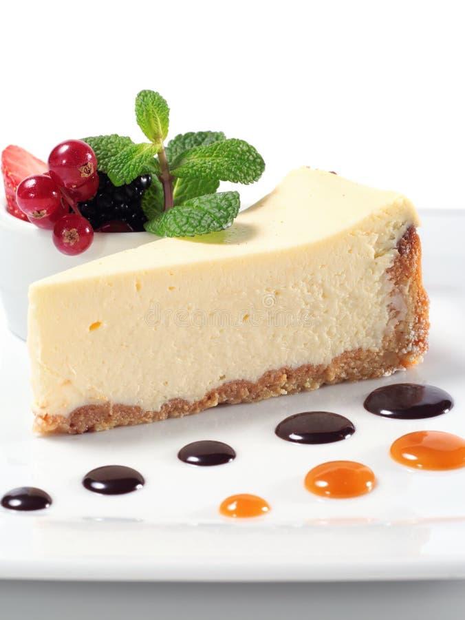 浆果新鲜蛋糕的干酪 库存图片