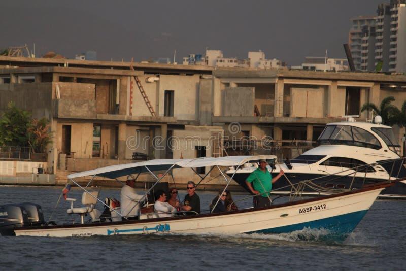 浇灌游人的运输lecheria的委内瑞拉假期 库存图片