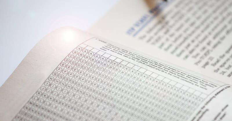 测试检查的答案纸 托福实践问题 英国了解 库存图片